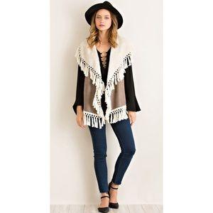 Entro Cream Faux Leather Boho Fringe Fleece Vest M